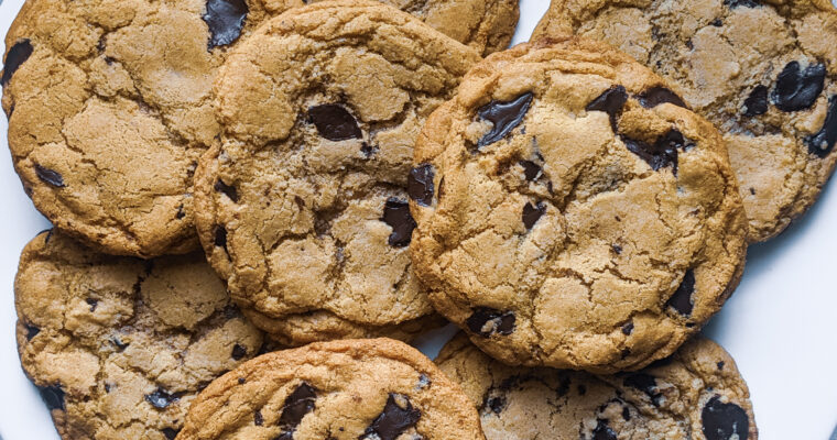 Soft & Crispy Gluten Free Chocolate Chip Cookie